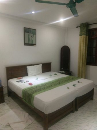 Oak Wood Inn Kandy Hotel : IMAG2111_large.jpg