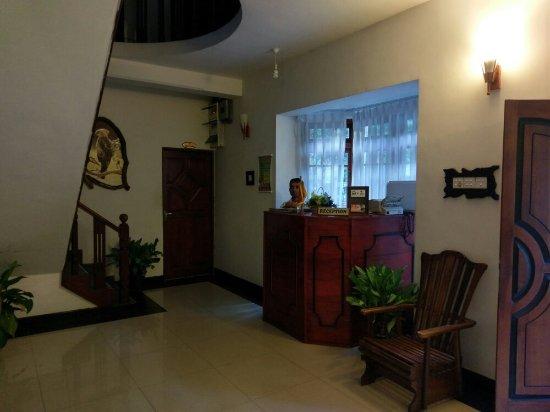Oak Wood Inn Kandy Hotel : IMAG2085_large.jpg