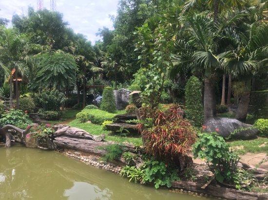 Parkanlage und Tempel Wat Khao Wong