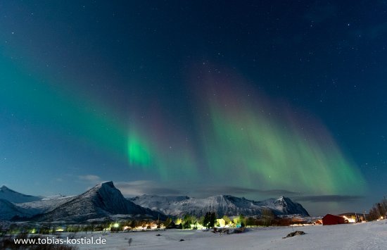 Laukvik, Norge: Aurora over Sandsletta.