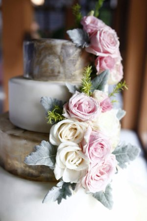 Pink And White Roses On Gold Wedding Cake Picture Of Passion
