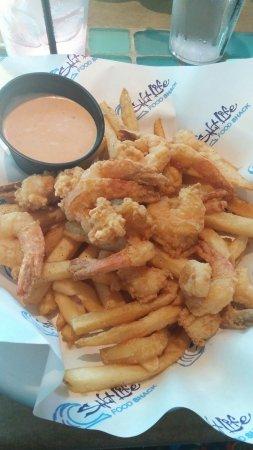 Salt Life Food Shack: 0924161725_large.jpg