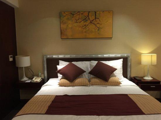 Vissai Saigon Hotel: Bed