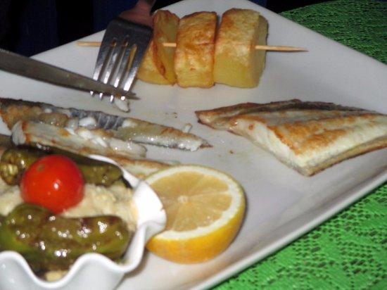 Carnon, France : assiette un peu sobre de Turbot, délicieux malgré tout!