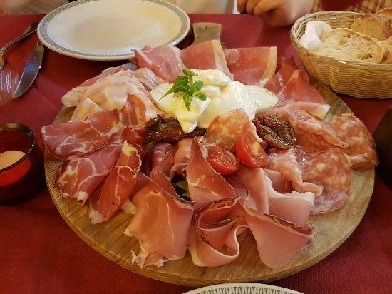 Abano Terme, Italy: 20160924_211108_large.jpg
