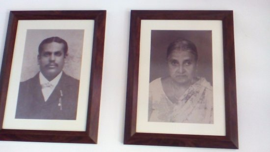 Thirappane, Sri Lanka: The couple who owned the old building