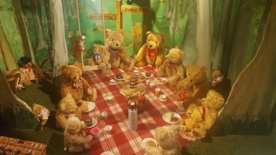 Ripon, UK: Teddy Bears Picnic in the Teddy Bear Museum