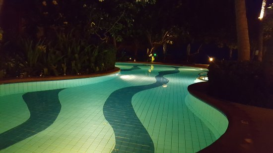 Baan Chaweng Beach Resort & Spa: Pool at night