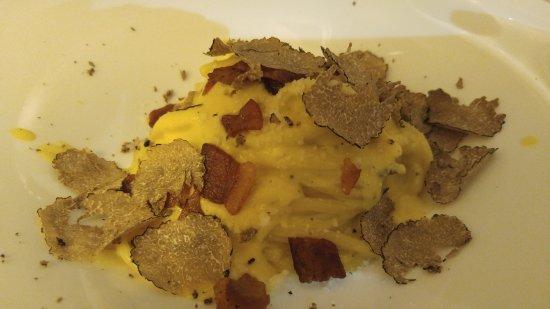 Antico Arco: Pasta carbonara with truffles