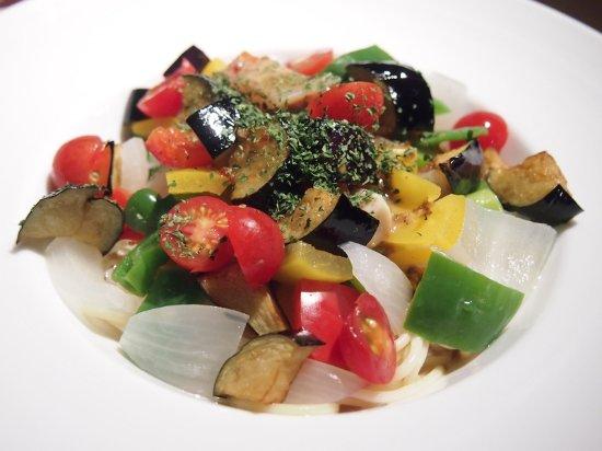 Осю, Япония: 夏限定の夏野菜の冷製パスタ! 野菜タップリ!