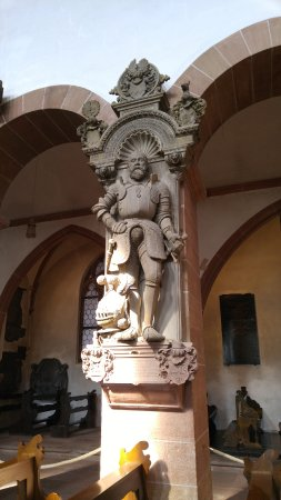 Aschaffenburg, Almanya: Ornate sculptures