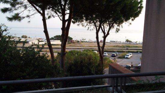 Addaura Hotel Residence Congressi: Balkondan deniz manzarası