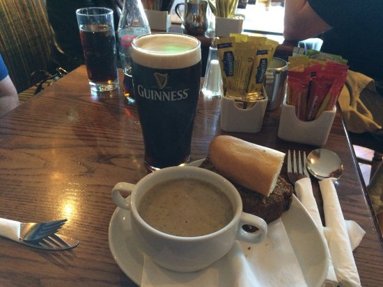Portmagee, İrlanda: Bridge Bar The