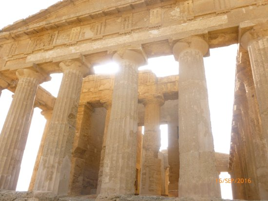 Valley of the Temples (Valle dei Templi): Valley of the temples on a september afternoon