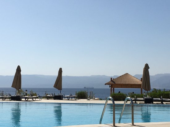 Berenice Beach Club : Vistas del Mar Rojo desde la piscina superior