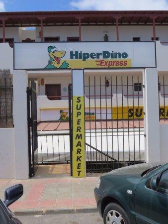 "Gran Hotel Atlantis Bahia Real: 10 Minutes' walk away, the local ""HiperDino"" sell WATER cheaply...."