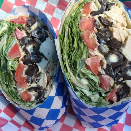 Blue River, OR: Tasty wraps, desserts, and milkshakes!