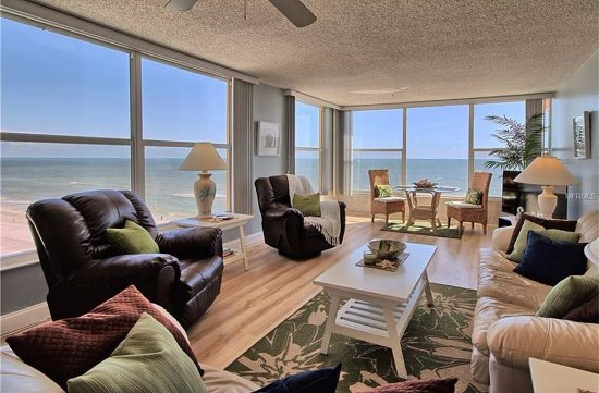 Madeira Vista Condominiums: Yes, this is our beautiful view!