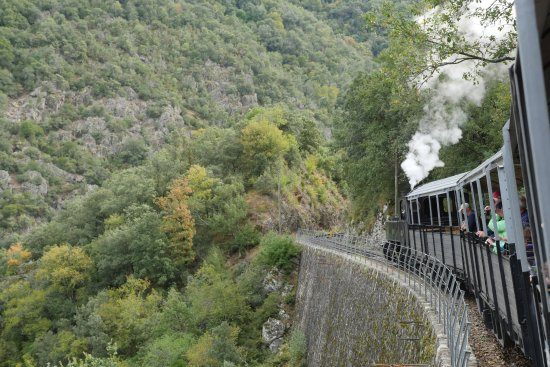 Tournon-sur-Rhone, ฝรั่งเศส: View from train de l'Ardeche
