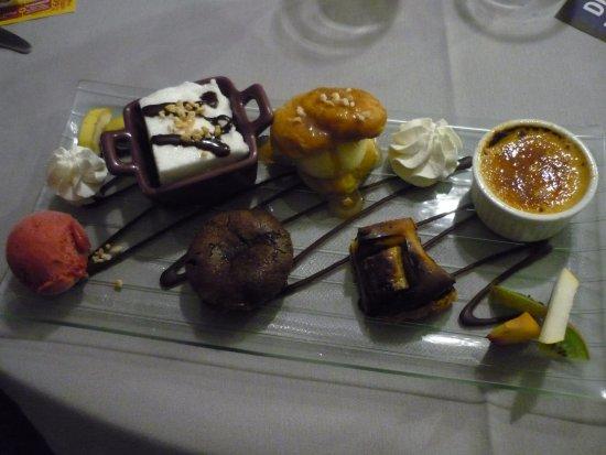 La Loupe, Prancis: dessert, le plateau de la Gourmandises