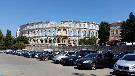 Amfitheater van Pula: photo0.jpg
