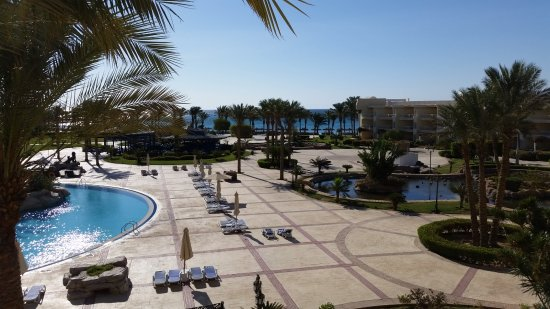 SENTIDO Palm Royale Soma Bay: Looking towards the Beach