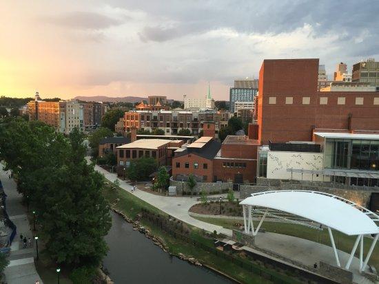 Hampton Inn & Suites Greenville - Downtown - Riverplace: photo7.jpg