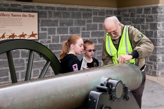 Stones River National Battlefield: Showing Kids How a Cannon is Operated