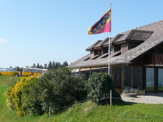Belp, Sveits: mit geschützter Terasse