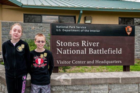 Stones River National Battlefield: Kids with Jr Ranger Badges