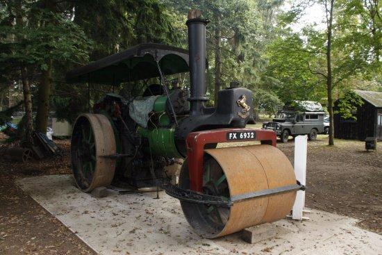 Farnham, UK: Steam tractor