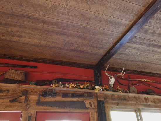 Eighty Four, Pensilvania: Rustic decor