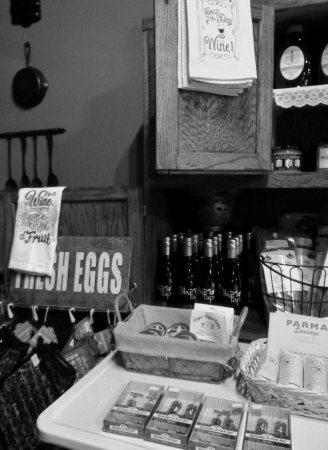Eighty Four, Pensilvania: Items for purchase, T-shirts, locally made soaps, etc