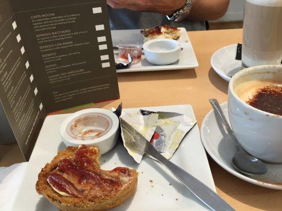 Troon, UK: Cappuccino and toasted treacle scone Mmmmmmmmm.