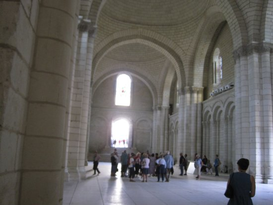Fontevraud-l'Abbaye, Francia: The main nave