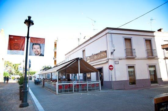 Via de la Tapa: Outside of bar