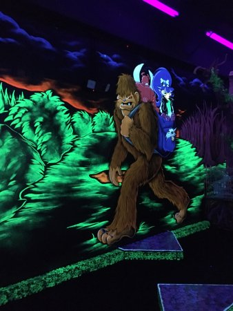 Centennial, Κολοράντο: Glow in the dark mini golf!