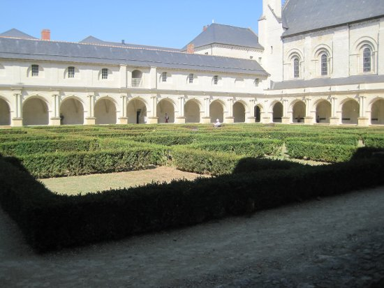 Fontevraud-l'Abbaye, Frankrike: The cloisters