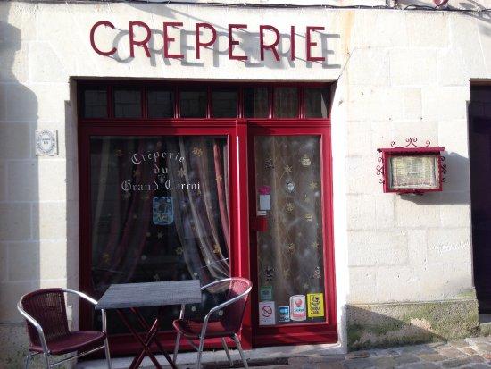 Chinon, Francia: facade noel 2015