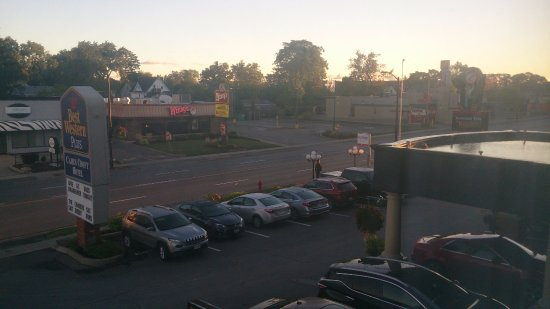 BEST WESTERN PLUS Cairn Croft Hotel: View overlooking front entrance