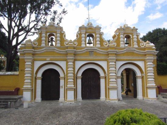 Villa Colonial: Iglesia del Calvario