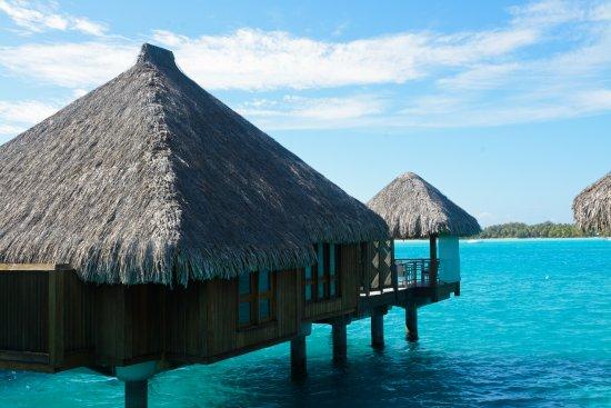 The St. Regis Bora Bora Resort: Our villa from the side