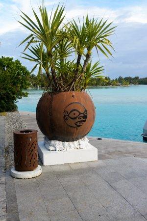 The St. Regis Bora Bora Resort: Decorations at the dock