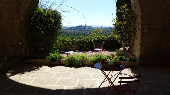 Villeneuve-les-Avignon, France: Picknick in de tuin...