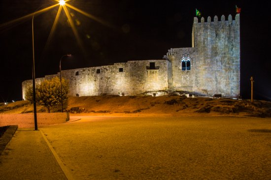 Castelo de Belmonte by night