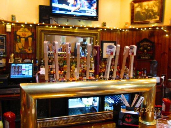 Bennington, VT: Bar