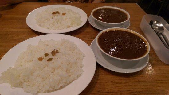 Khana Pina: 餐點看起來都是一樣的