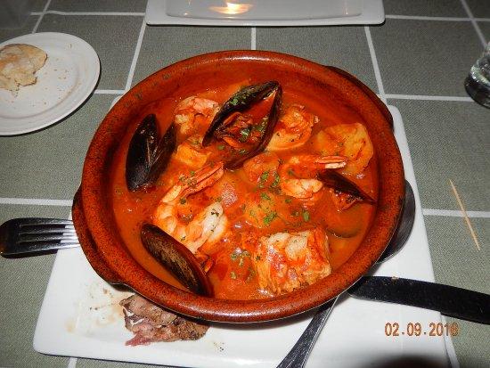 Altea la Vella, España: Gambas en Mosselen in restaurant Meliton Jardin, Altea