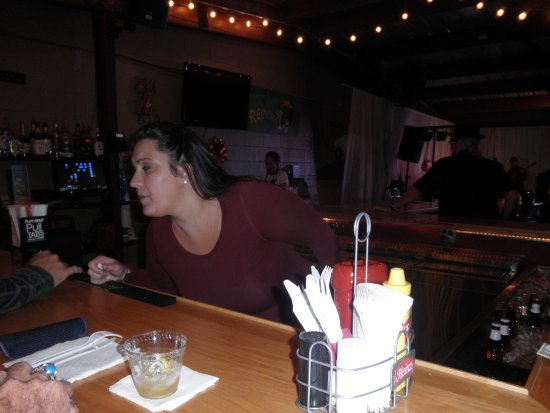 Mount Clemens, MI: sarah the great bartender