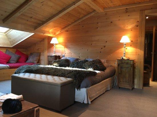 Très belle chambre décorée avec goût dotée d une très belle salle de ...